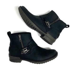 NWOB UGG Cheyne Waterproof Ankle Boot